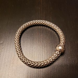 "Silpada ""Chic"" Stretch bracelet"